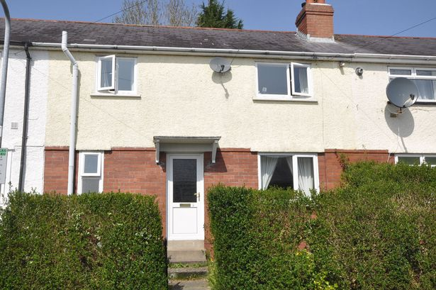 A three bedroom home for sale with Terry Thomas for £104,950