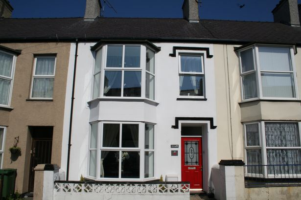 £104,950: A three bedroom house with attic in Holyhead
