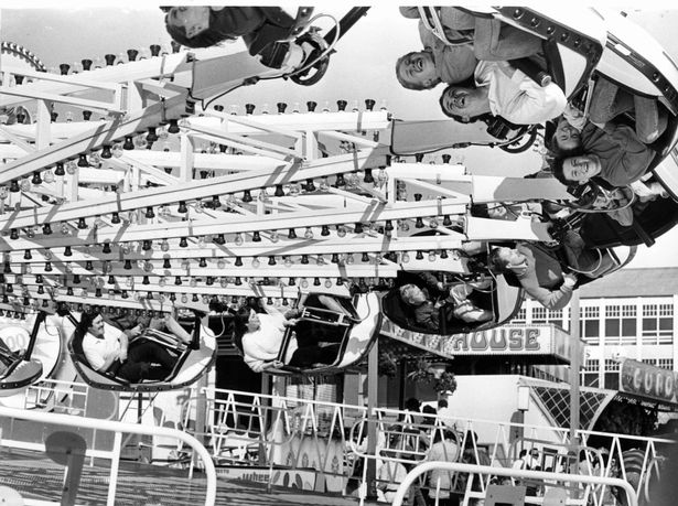 The legendary Thunderbird ride at Barry Island Pleasure Park, 20th April 1987