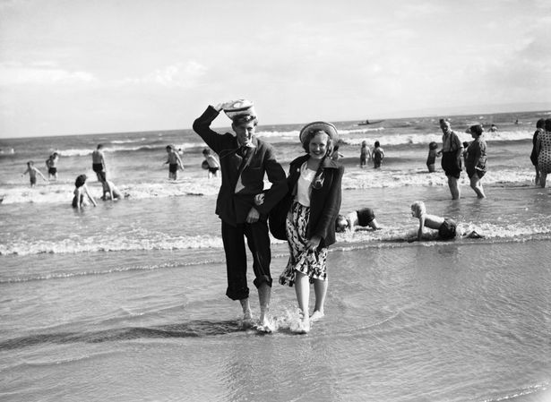 Rhondda miners on holiday in Barry Island in 1951