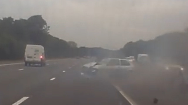 near-miss-on-the-way-to-porthcawl-this-morning-watch-the-silver-fiesta-on-suicide-mission-mp4-00_00_07_02-still004
