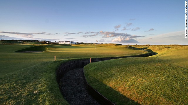 You'll follow the footsteps of some of the game's greats here. If you want to try your hand at emulating Hogan's drives at the sixth hole, aim between the fairway bunkers and the out-of-bounds fence.