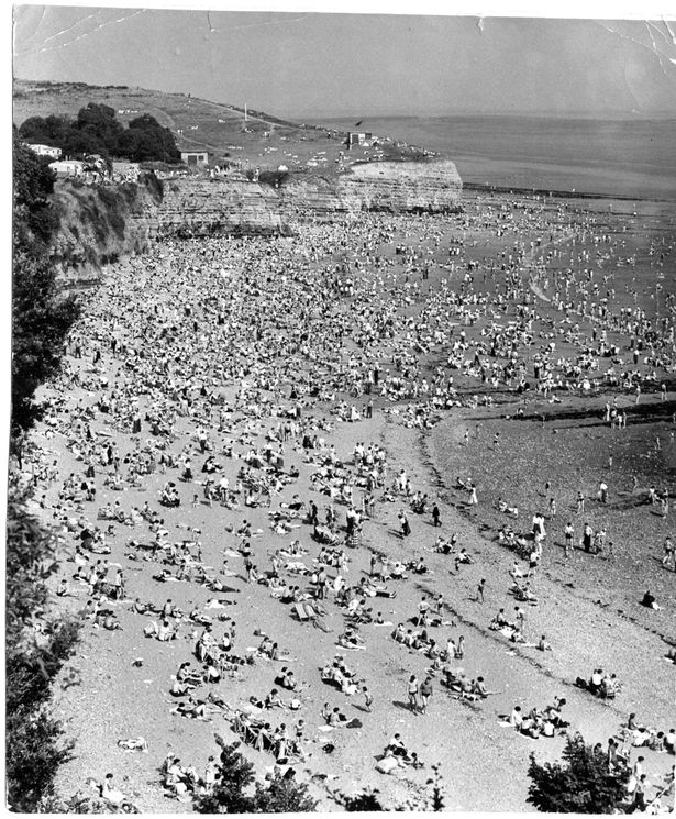 A crowded Lavernock Beach in 1955