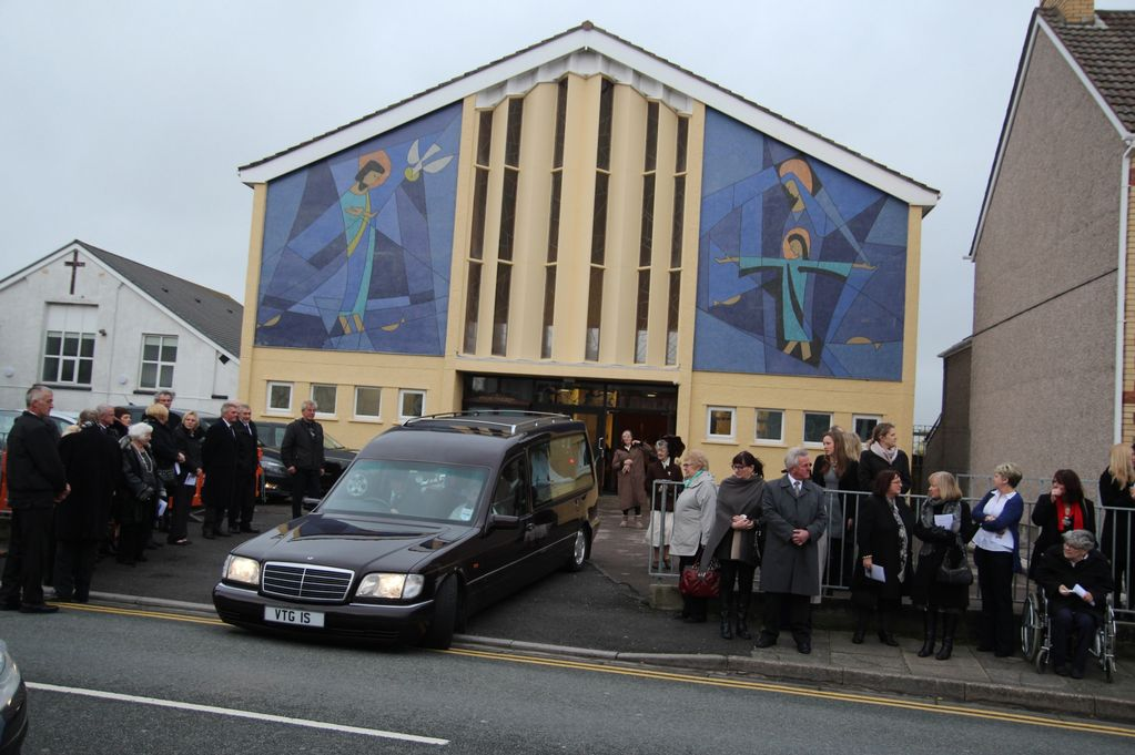 The funeral of former RNLI crewman, lifeguard, rugby player, landlord and town councillor, Ken Evans