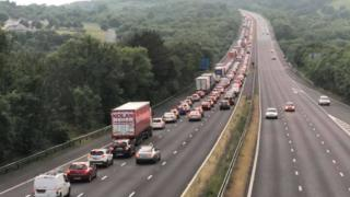 Traffic on the M4 after a crash